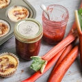 Rhubarb Jam with mini-cheesecakes